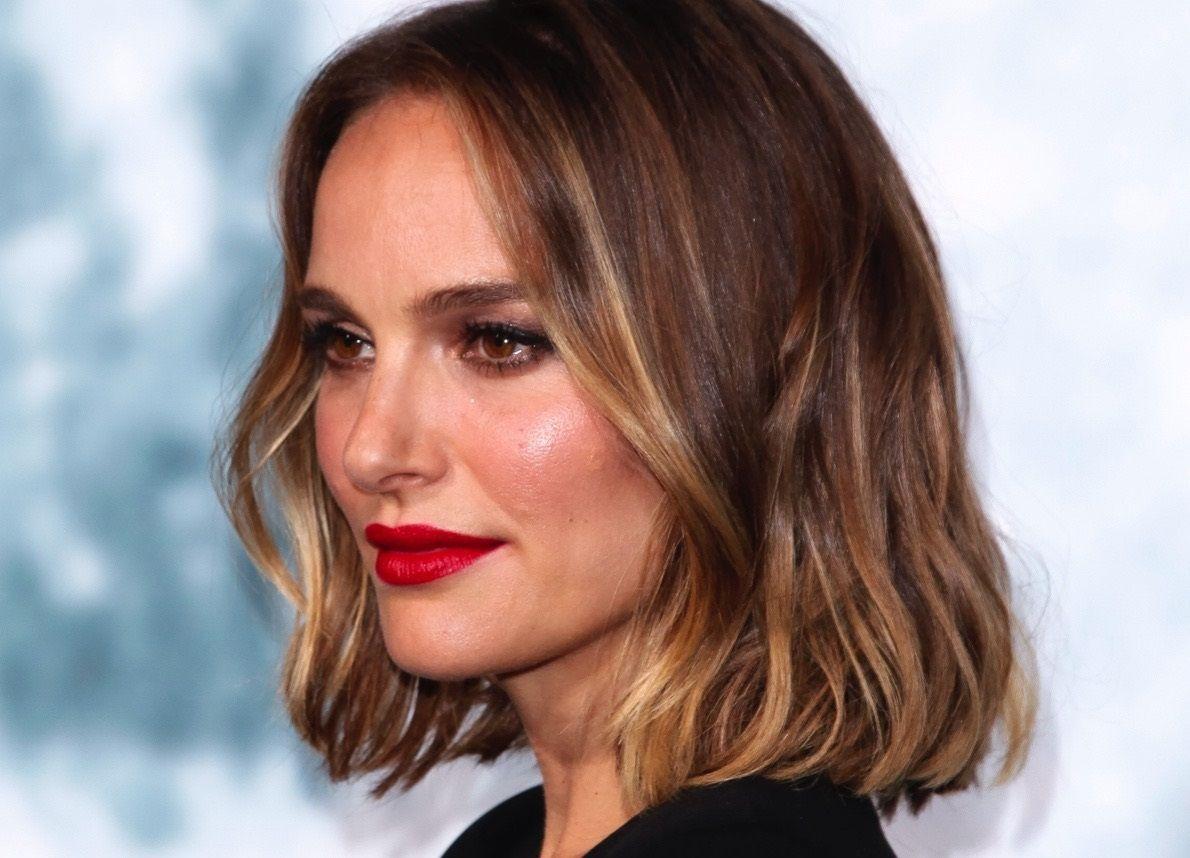 Photo of Tendenza colore capelli 2020: biondo oro fumoso come Natalie Portman, il più desiderato – VanityFair.it