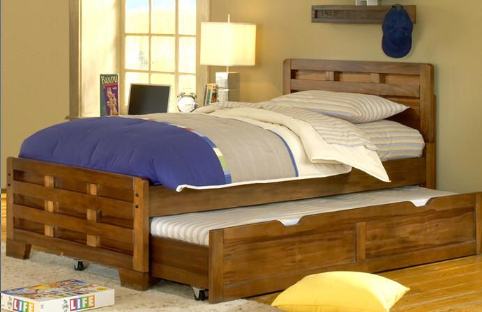 Amazing Queen Size Trundle Bed And There Are Cushion And Duvet