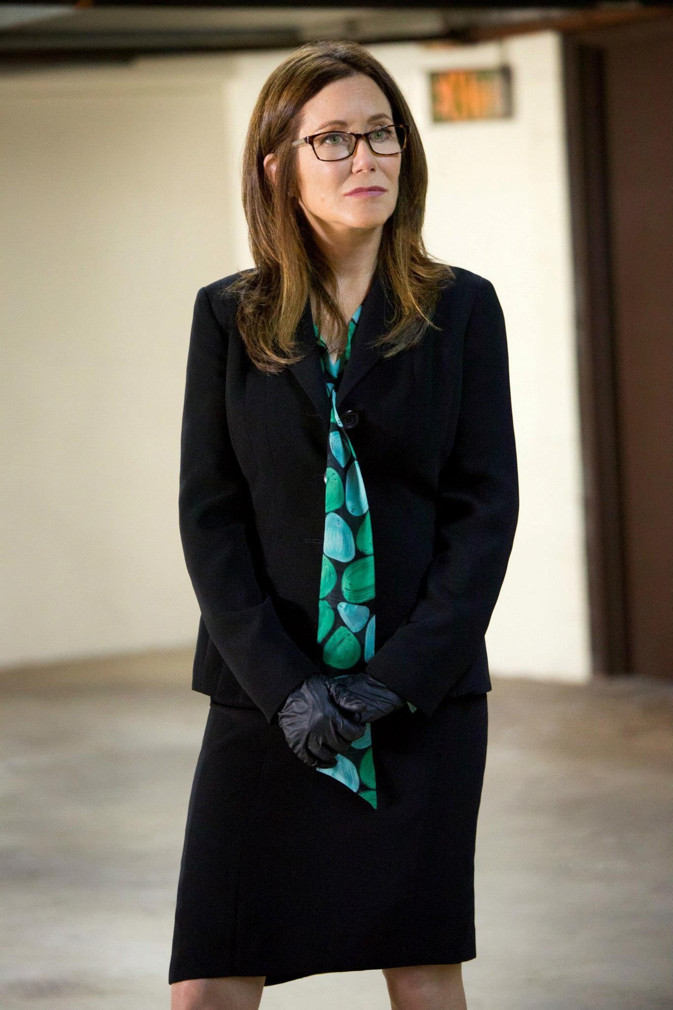 Major Crimes Season 1 Episode 10 Still Major Crimes Beautiful People Kyra Sedgwick