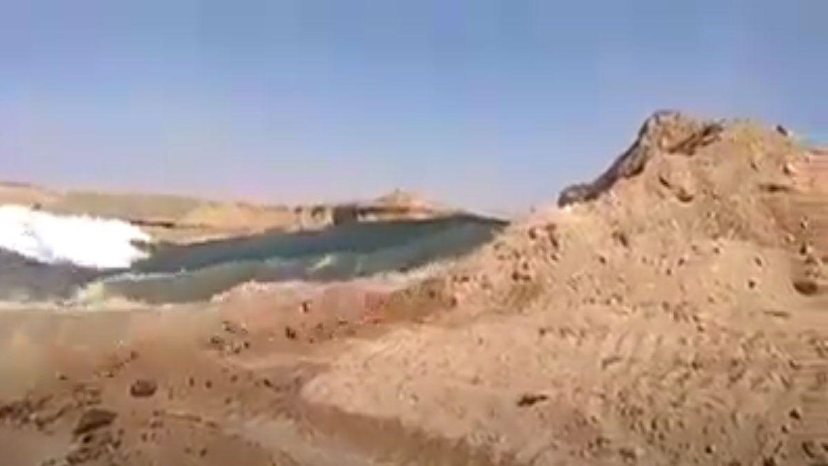 انهيار مفاجيء لسد بوط في السودان يؤدي لتدمير 600 منزل Outdoor Beach Water