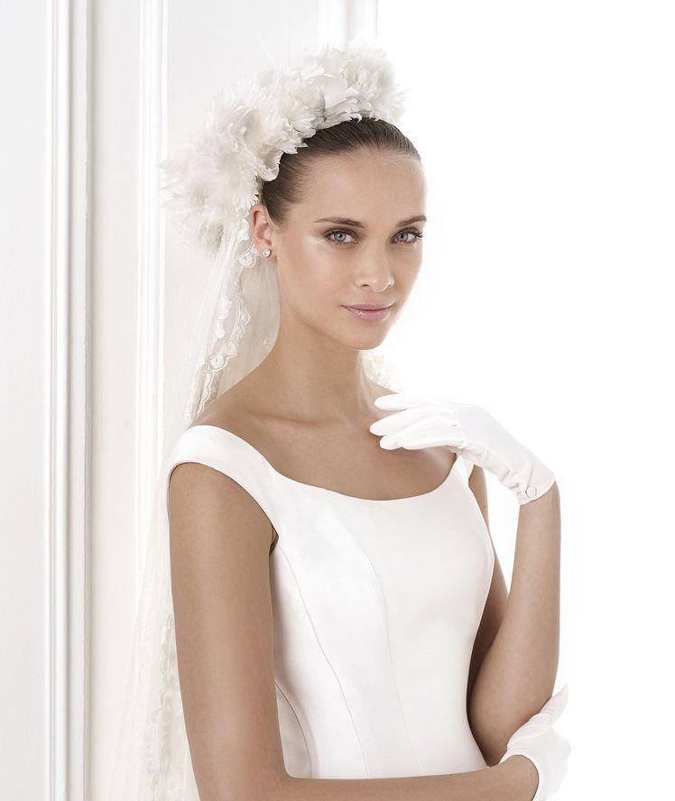 BALDER - Wedding dress with back button trim. Pronovias 2015 ...
