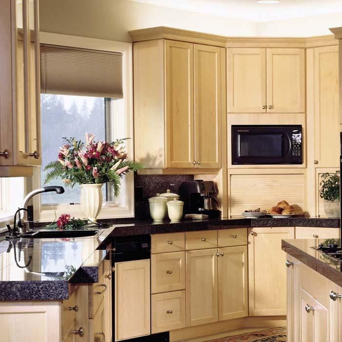 Attractive Color Light Maple Cabinets Interior Designs: Maple Kitchen Cabinet-Shaker
