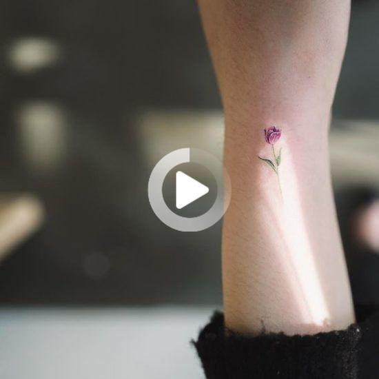 Tulip Tattoo-ideeën die uw lichaam nog aantrekkelijker maken?