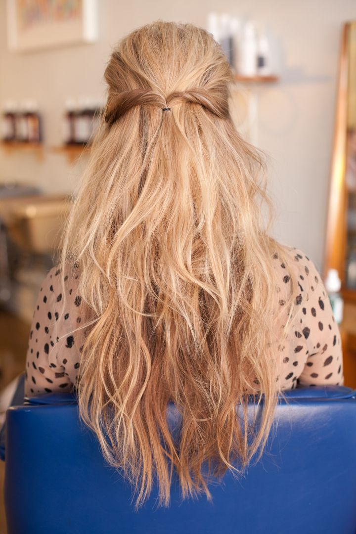Straight hairstyles going out hairdos for pin thin hair straight get a look at 3 diy hairstyles for straight hair refinery29 shows off solutioingenieria Images
