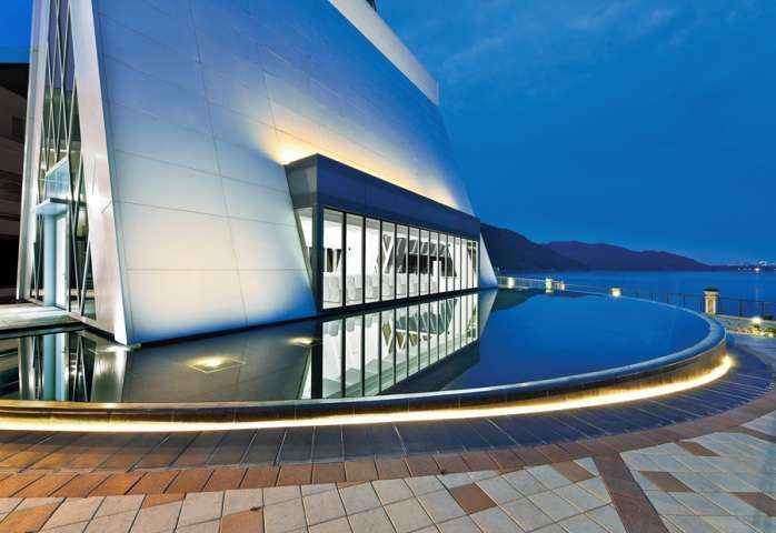 Contemporary Sci-Fi Churches : Chapel at Discovery Bay