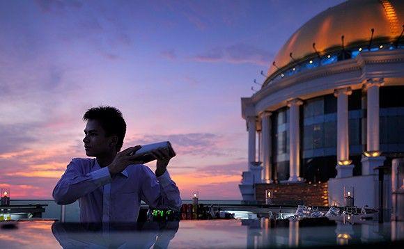 The Dome At State Tower  Bangkok Thailand .