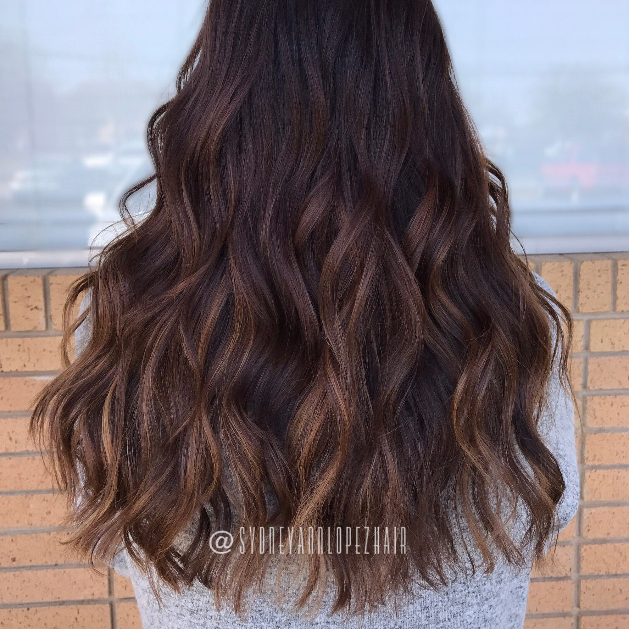 Dark Chocolate Base Caramel Butterscotch Balayage Goodhairdaybysydlopez Headlineshairdesigndentontx Natural Hair Color Balayage Hair Brunette Hair Color