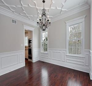 Et si vous d coriez votre plafond avec des moulures for Decoration porte avec moulures