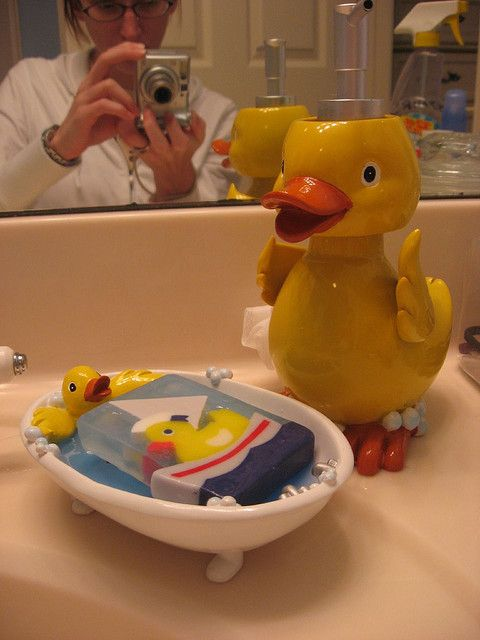 Rubber ducks seem to have taken over my bathroom! Here we have my ...