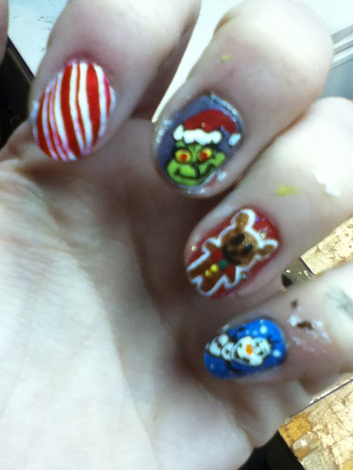 Christmas nails mix-up cute Olaf from disney frozen and the grinch ...