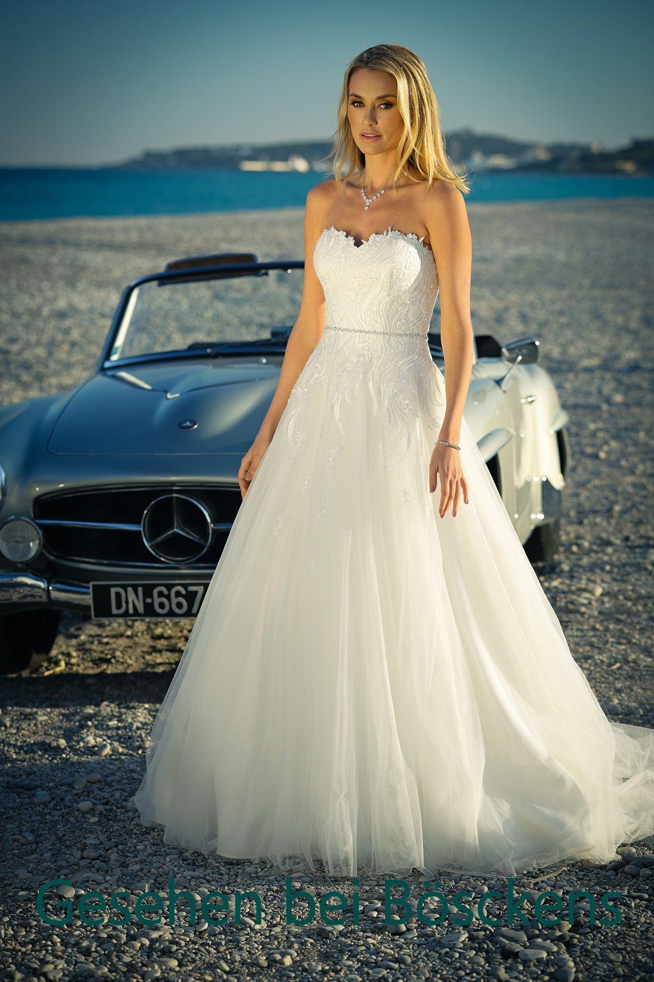 Brautkleider Von Ladybird Sind Wirklich Etwas Ganz Besonderes Ein Super Schones Modell Der Aktuellen Kollek Kleid Hochzeit Brautkleid Kurvige Hochzeitskleider