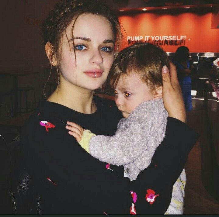 A child with another child   Joey king, King photo, Young ...
