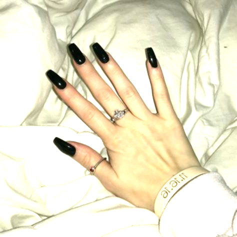 glossy black acrylic nails tapered square / coffin