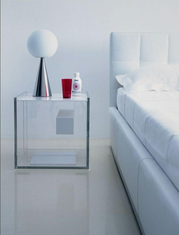 Contemporary Bed Side Table Plexiglas Segreto By I Marelli D Eugeni Zanotta Table De Chevet Design Table De Chevet Moderne Mobilier Acrylique