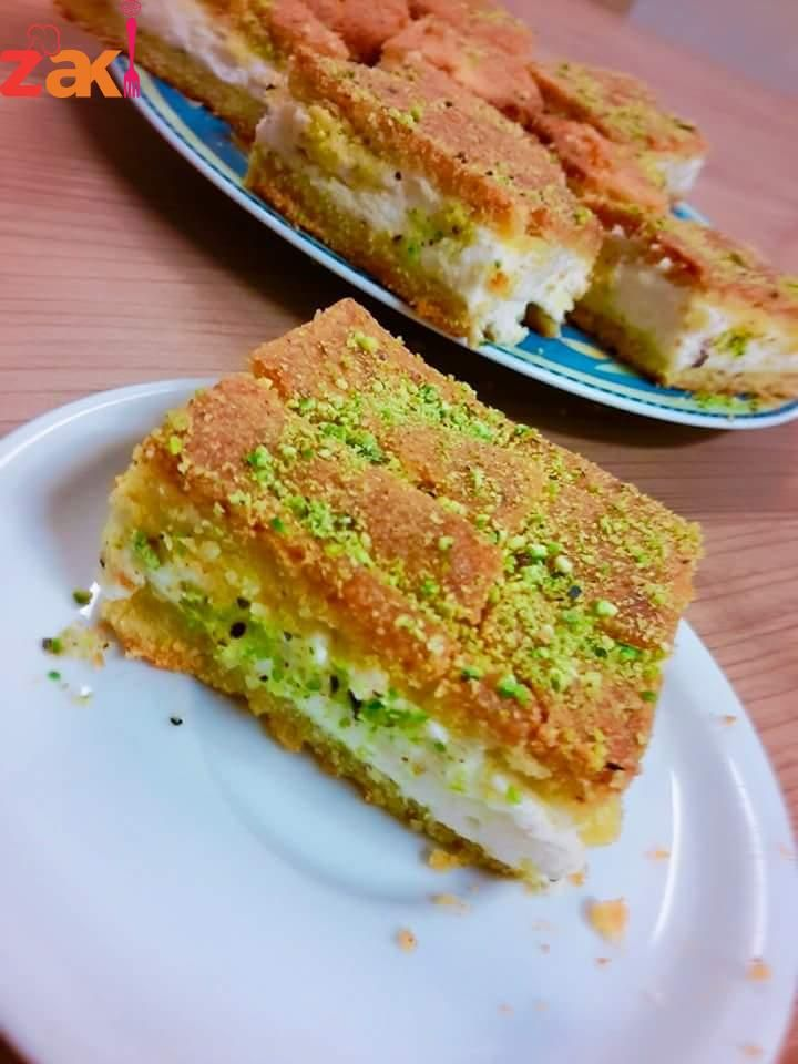 معمول مد بالقشطة زاكي Lebanese Desserts Middle Eastern Desserts Arabic Food