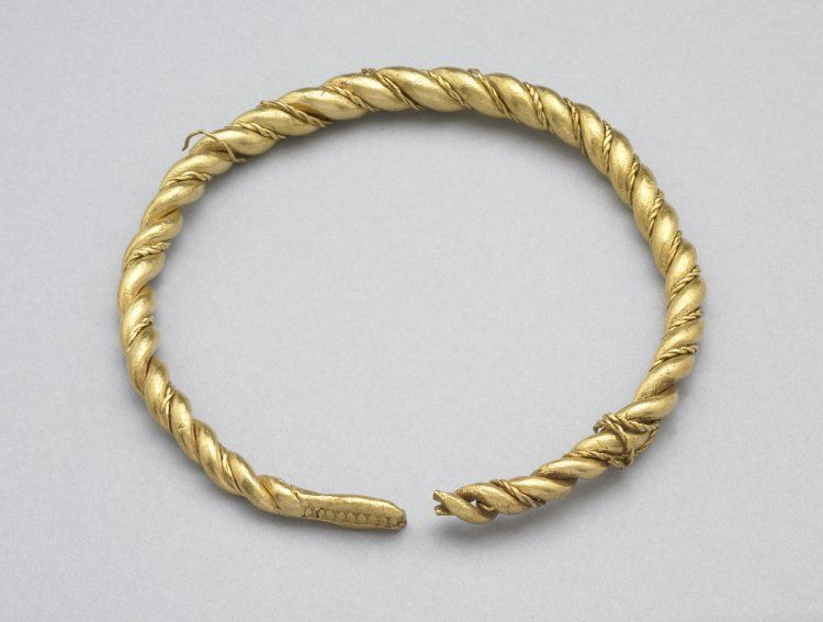 Viking gold arm-ring of plaited wires (2 thick & 2 thin, unwound in ...
