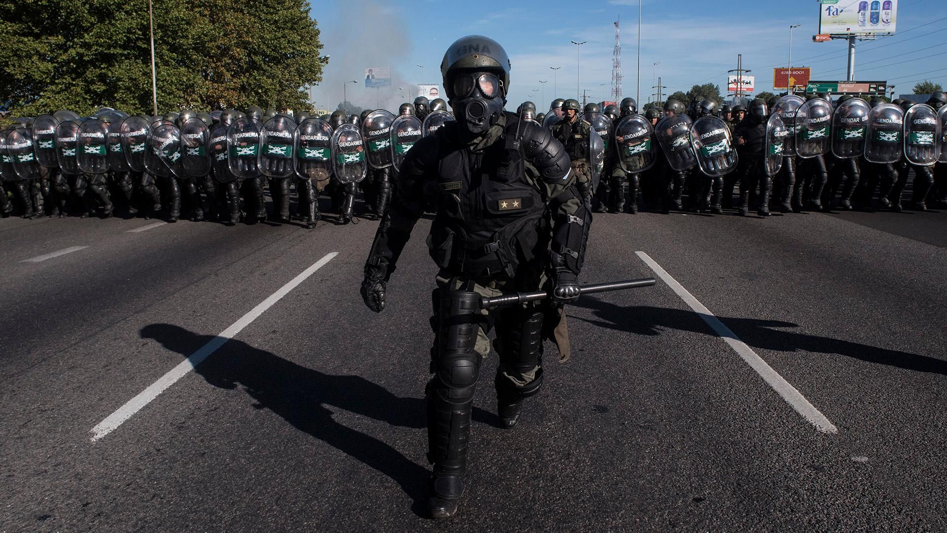 riot control during protest in argentina april 6 2017 [1920x1080