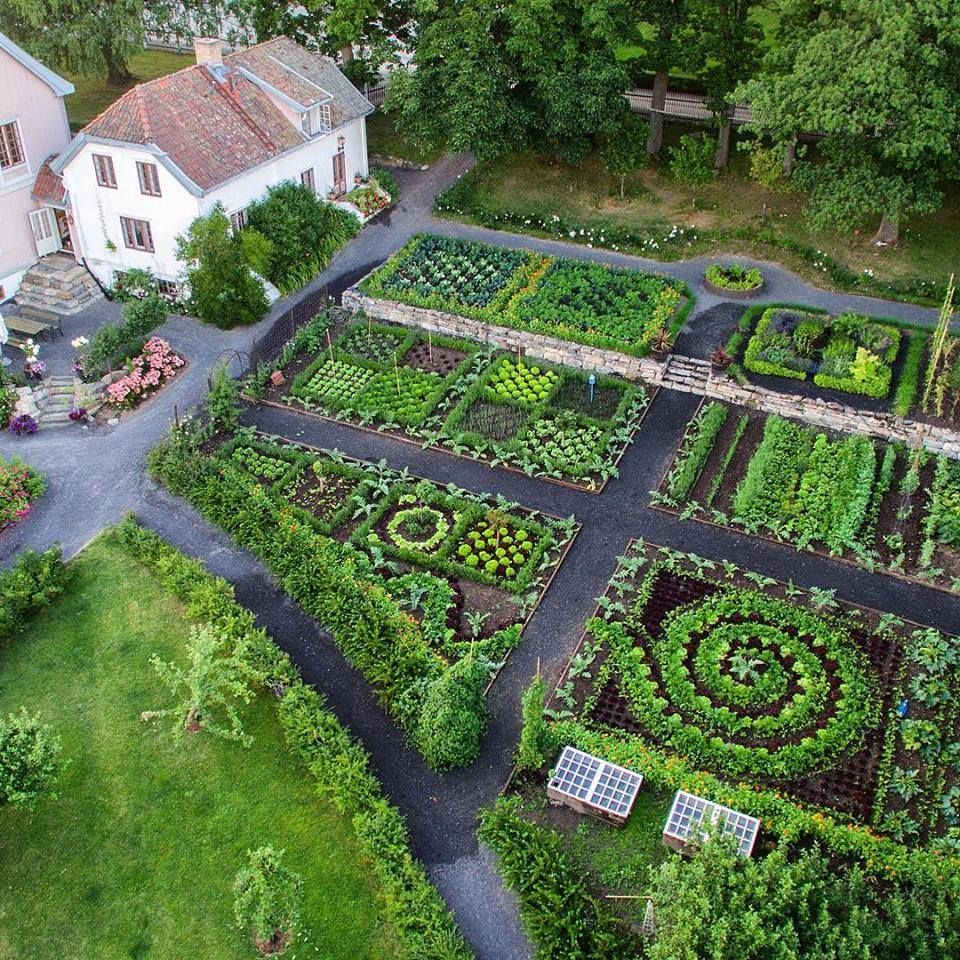 Potager Garden Blogs: Hovelsrud Gård's Sculpture-Like Potager On Helgøya Island