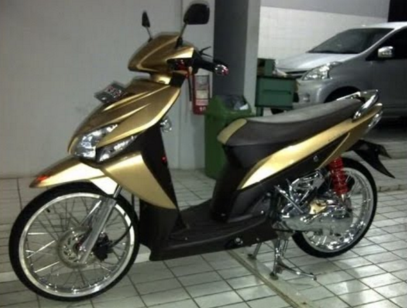 Modifikasi Honda Vario 110 Velg 17 Honda Motorcycle Vehicles