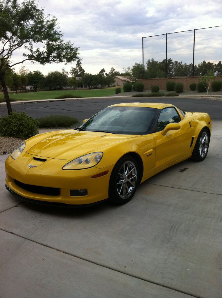 Yellow Corvette Z06 2009 My Dream Car That I Worked Hard For But Had To Trade It In For A 2016 8 Speed Automatic Because I Yellow Corvette Dream Cars Corvette