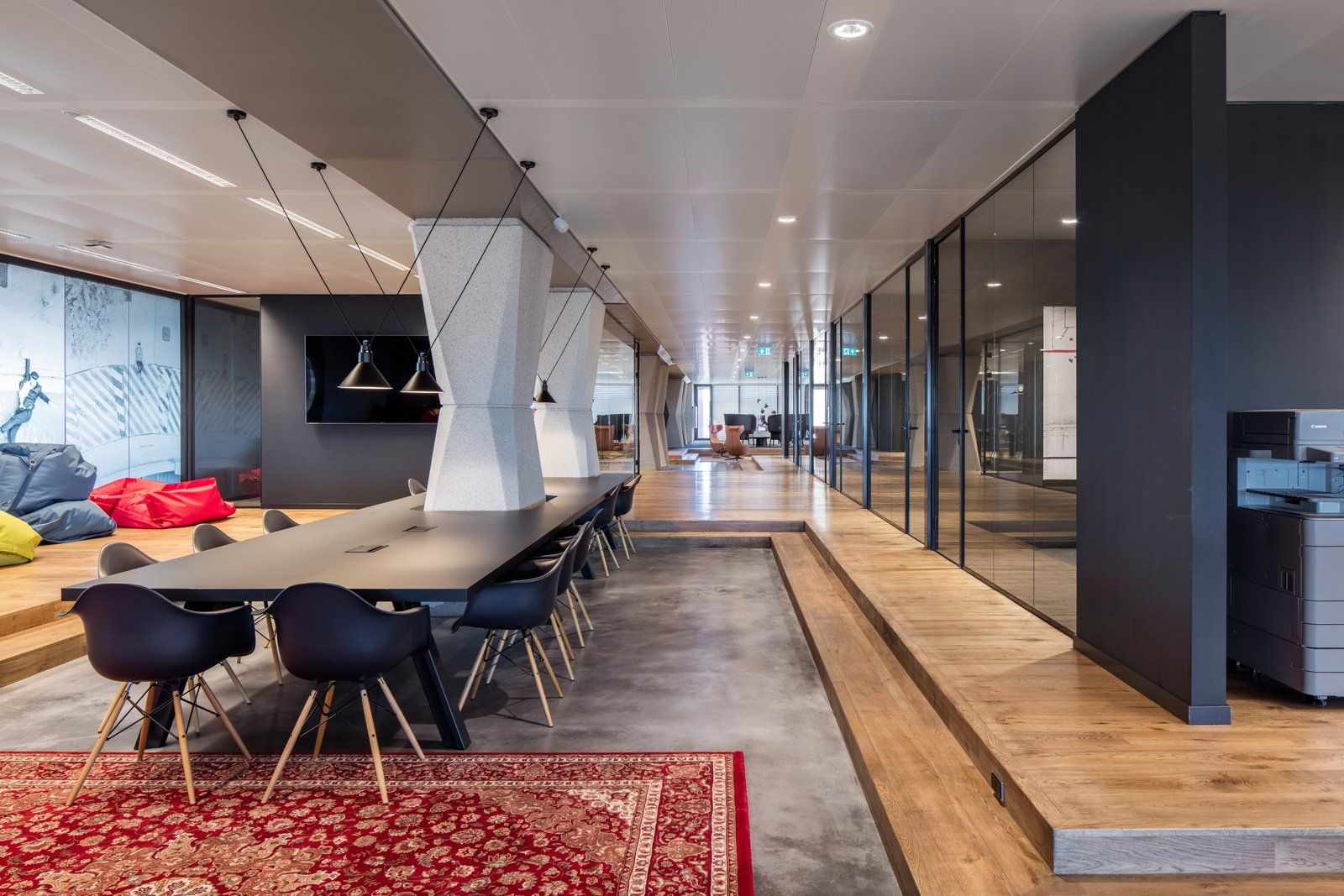 Open work table from Conclusion Offices – Heerlen