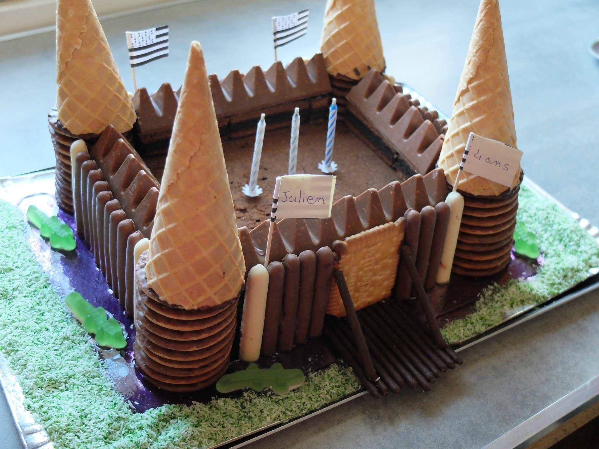 Gateau Anniversaire Chateau Fort.Gateau D Anniversaire Au Chocolat Theme Chateau Fort Et