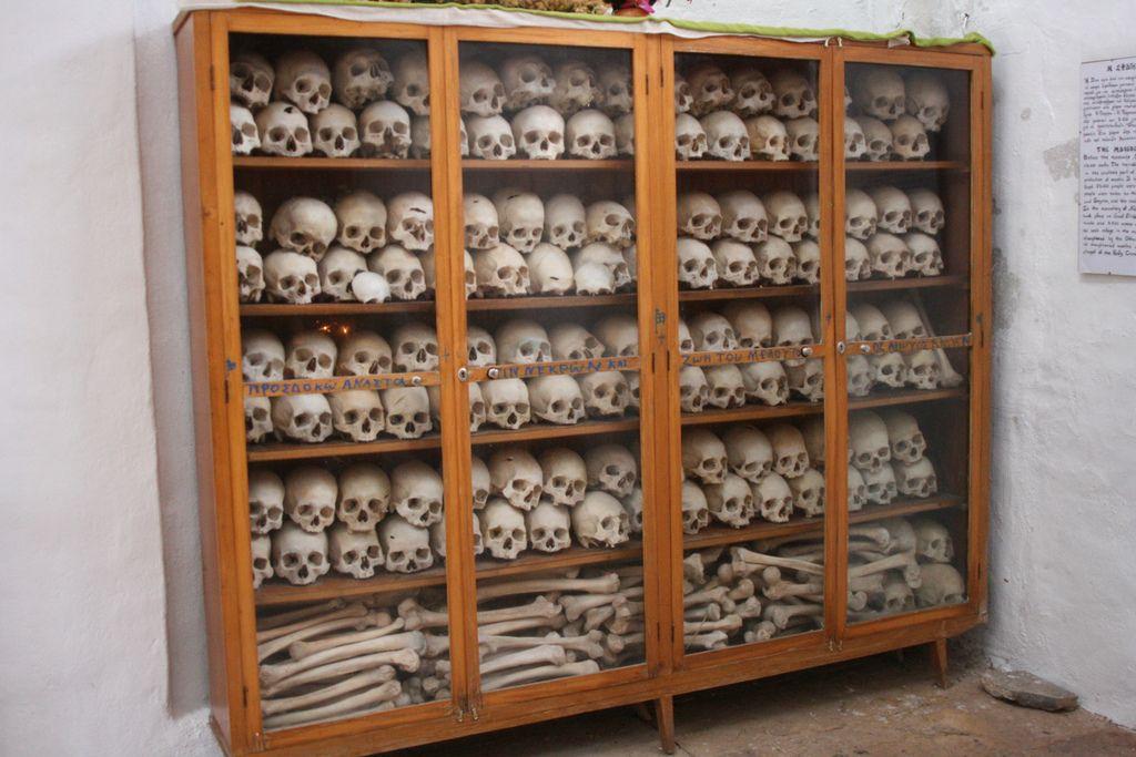 Nea Moni Monk Bones Reizen