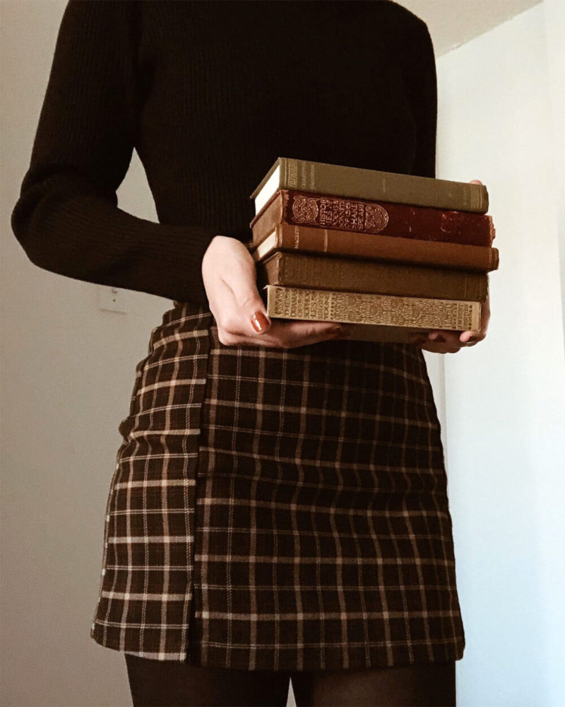 Photo of Dark Academia Fashion Is Booming In 2021 (+ 30 Brands & Styles)