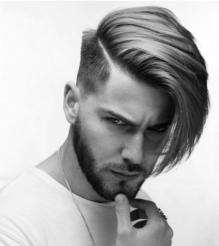 Lange Haare Undercut Frisur Mann Mit Pony Bart Model Männer Tragen