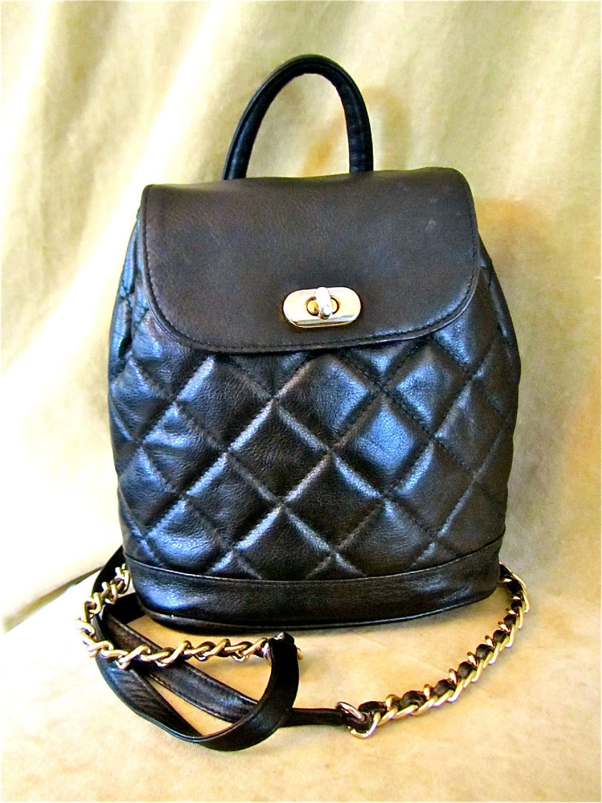 Leather quilted handbags and purses - Women S Quilted Leather Designer Backpack Gold Chain Bag Vtg Handbag Black Purse