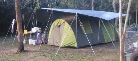 20u0027 x 24u0027 tarp with ridge pole over Jackaroo dome tent & 20u0027 x 24u0027 tarp with ridge pole over Jackaroo dome tent | Tarp ...
