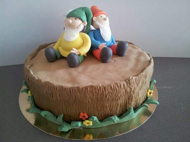 Dwarfs cake