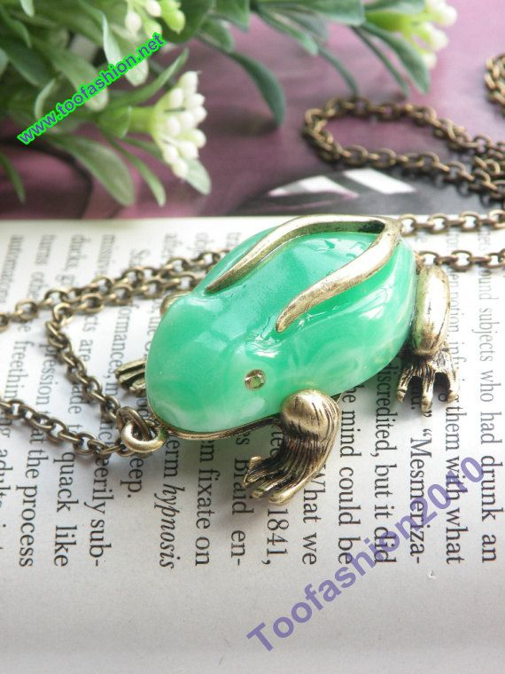 What Metal Turns Skin Green : metal, turns, green, Pretty, Retro, Copper, Green, Prince, Necklace, Pendant, Jewelry, Vintage, Style., .99,, Etsy., Jewelry,, Necklace,, Clothes, Horse