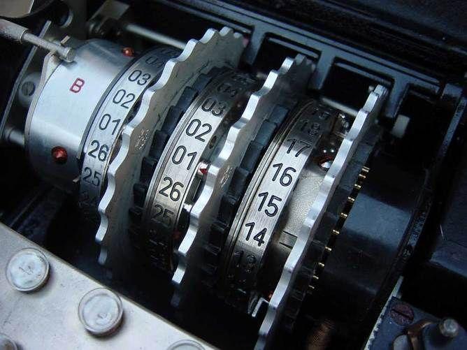 Encriptação e tornar o seu sistema seguro - http://www.comofazer.org/tecnologia/encriptacao-e-tornar-o-seu-sistema-seguro/