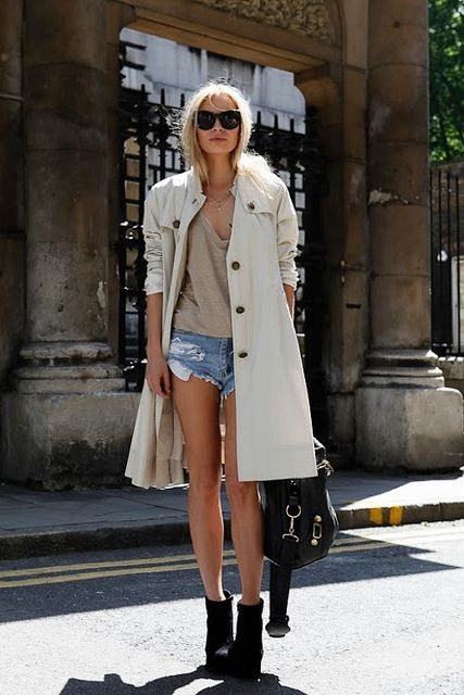 A great trench makes everything all right. #fashion #style