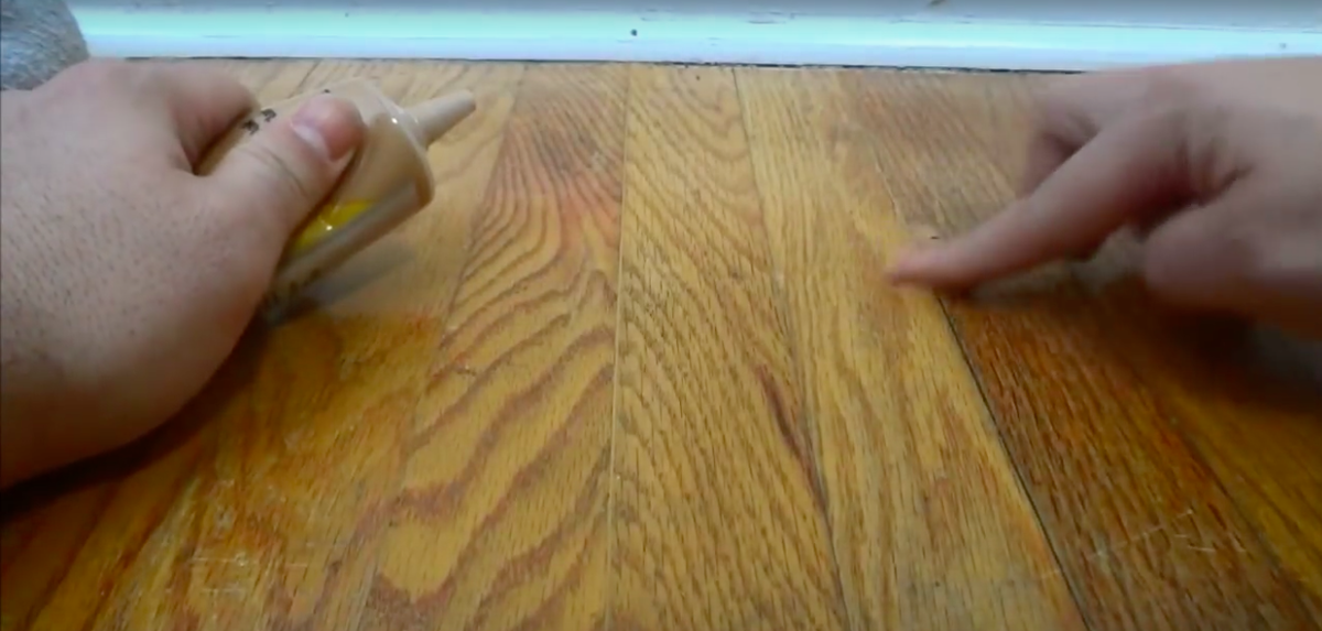 Old House Learn How To Fill In The Gaps Between Your Hardwood Floors Hardwood Floors Old Wood Floors Flooring