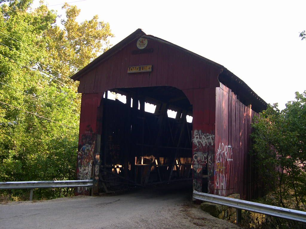 The Covered Bridge Over The White River Outside Of Williams Indiana Was Once A Vehicle Bridge But Is Now Limit Covered Bridges Dream Vacations Beautiful Sites