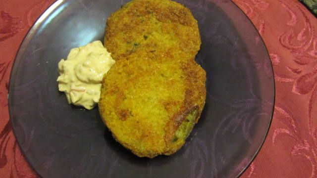 Fried Green Tomatoes With A Sour Cream Chow Chow Relish Sauce Chow Chow Relish Relish Sauce Food