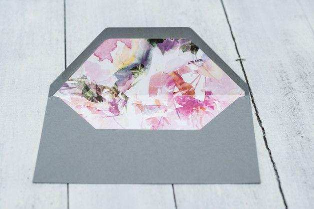 Kuvert grau mit floralem Inlay DIN lang