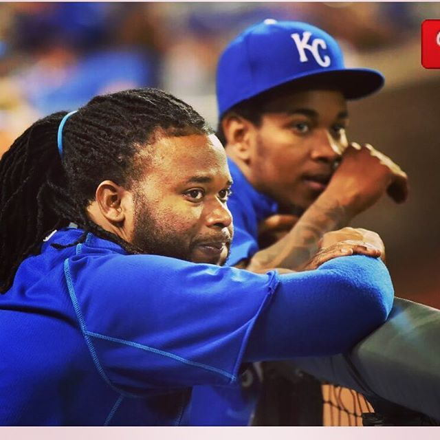 @johnnycueto47 Y que sera lo que esta vamos mirando #AlalomitacuetoDAY let's go royals fan your all the best ⚾️