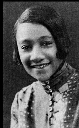 Five Blues Singin Women: Alberta Hunter-Alberta Hunter (April 1, 1895 – October 17, 1984) was an American blues singer, songwriter, and nurse. Her career had started back in the early 1920s, and from there on, she became a successful jazz and blues recording artist, being critically acclaimed to the ranks of Ethel Waters and Bessie Smith. In the 1950s, she retired from performing and entered the medical field, only to successfully resume her singing career in her 80s.