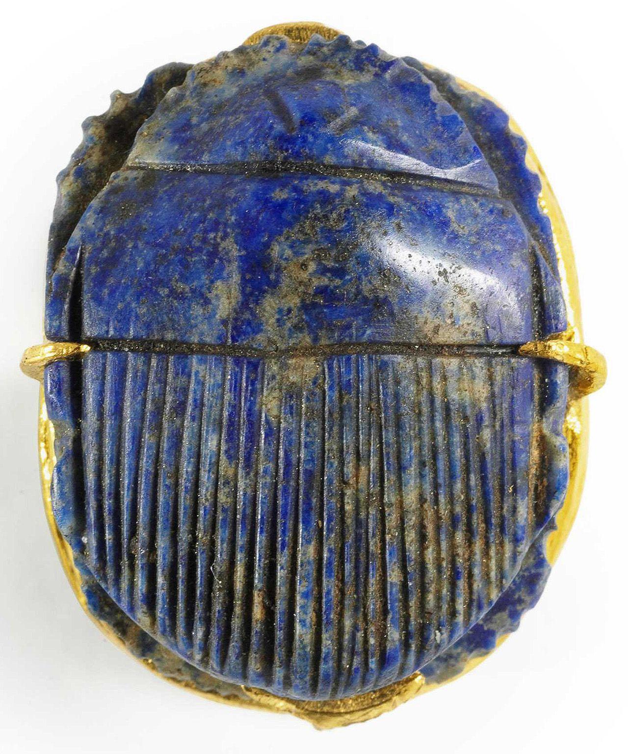 Lapis lazuli amuleto . Egipto, circa 500 AD.