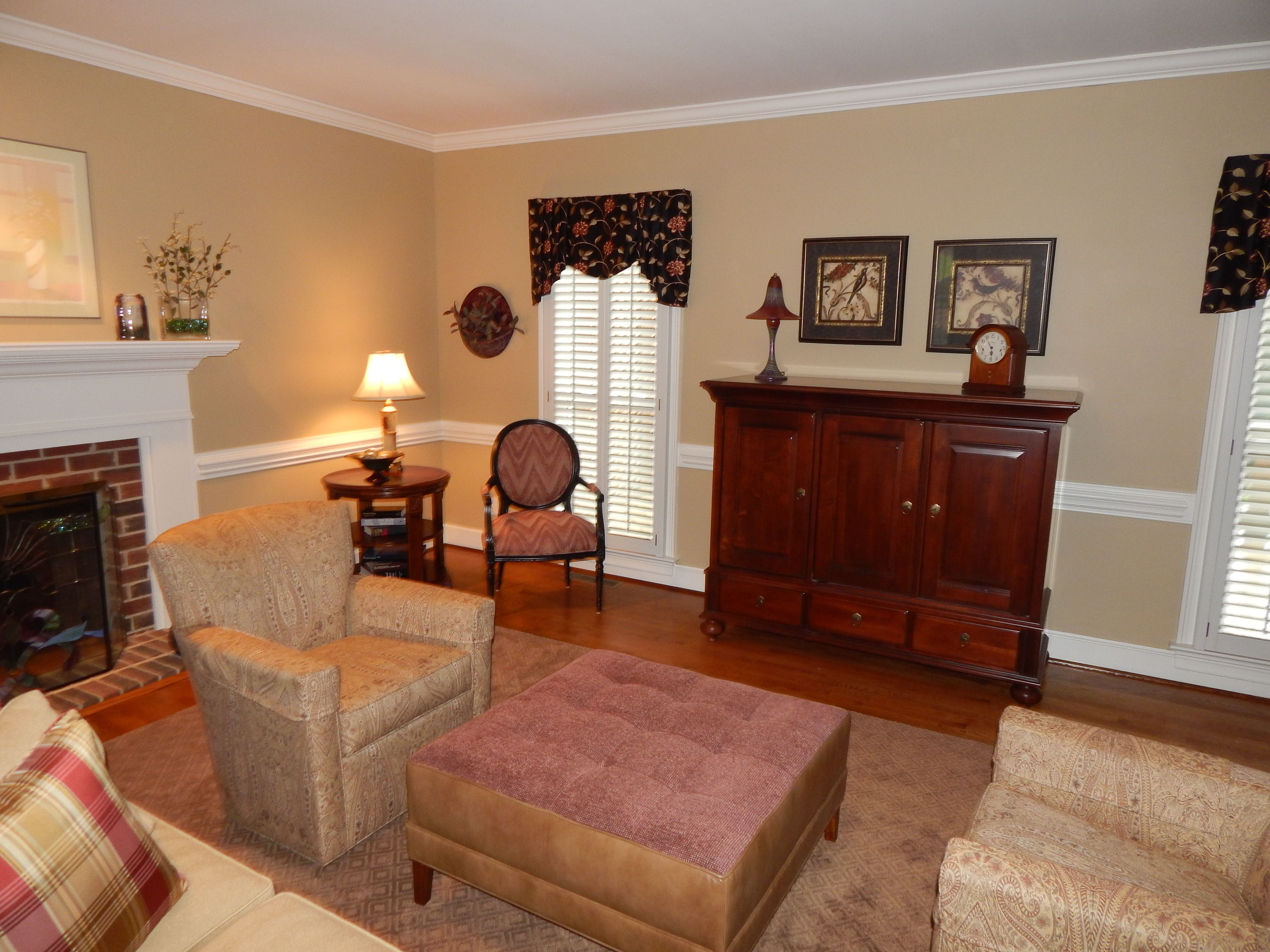 Ethan allen window treatments - Paramount Sofa With Two Turner Swivel Chairs With A Nassau Ottoman And Francesca Chair With The