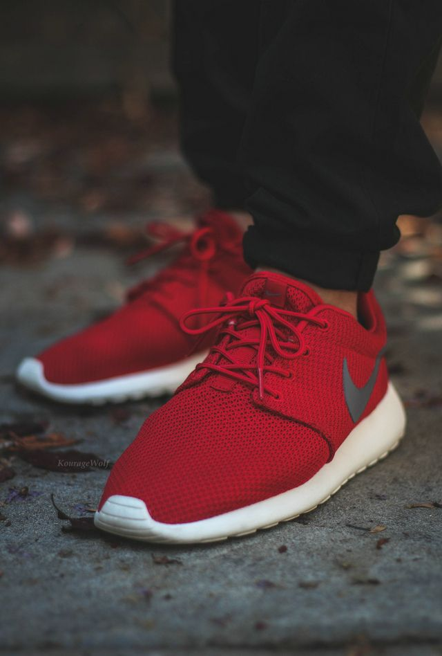 big sale c09f4 3d65a Buy multi color Nike Roshe run, click the link, immediate purchase