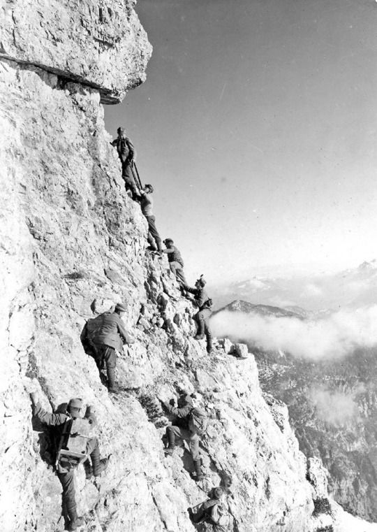 Hungarian soldiers on the Dolomitic front