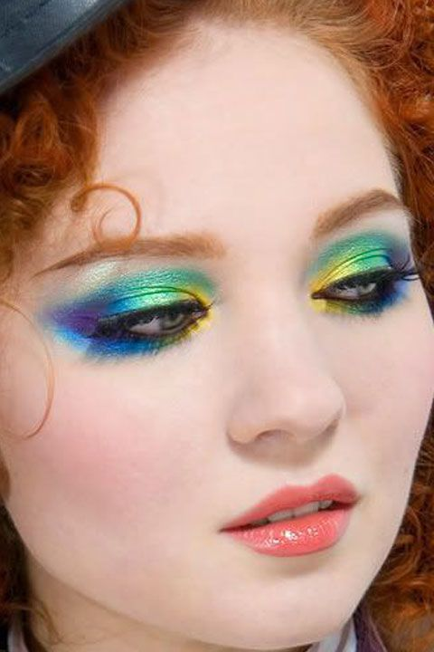 7 Crazy Amazing Mad Hatter Makeup Tutorials That\'ll Put Everyone ...
