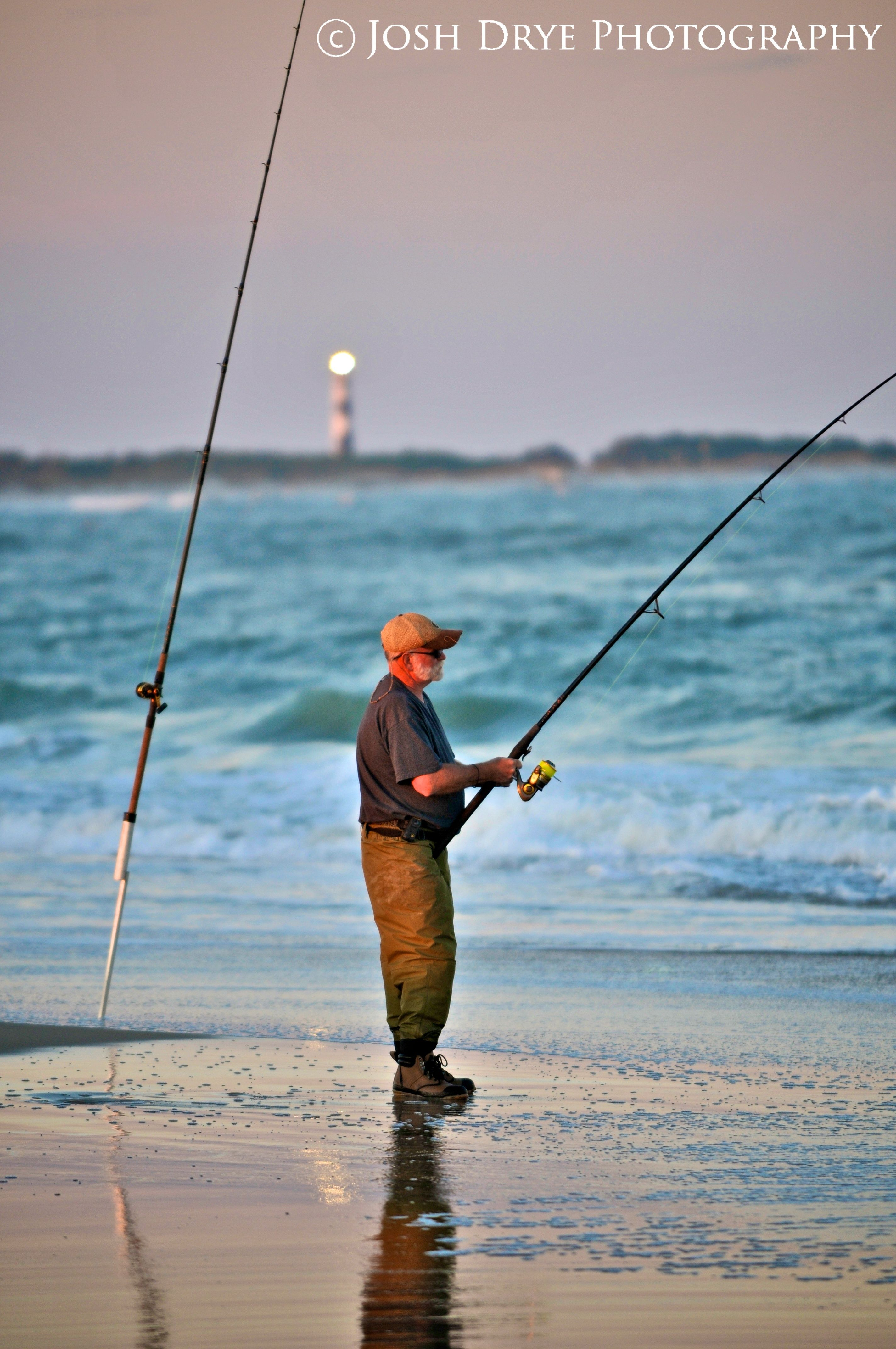 Fishing at cape lookout nc with cape lookout lighthouse for Surf fishing nc