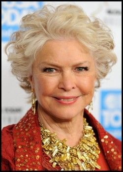 Old Lady Hairstyles Beautiful Just Light Makeupso Pretty  Growing Older  Pinterest