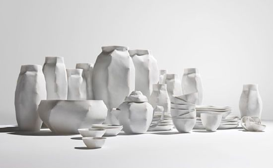 Ruth Gurvich - Porcelain made to mimic the texture of paper