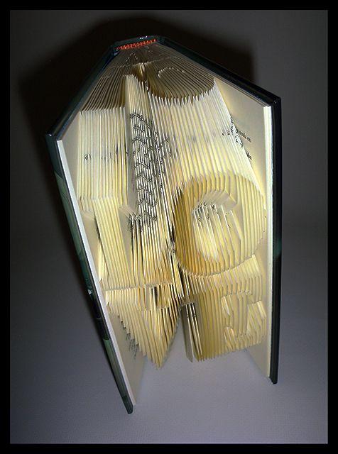 LOVE (BIS)  #foldingbookart #librosplegados #librosartísticos #plegadodelibros #librosplisados #arteconlibros #recycled #recycledart #bookfolding #reciclado #artereciclado #handmade #hechoamano #decoracion #decoration #diseño #design #ecodesign #ecodiseño #ecomania #elartedeowl #upcycle www.elartedeowl.blogspot.com www.elartedeowl.tumblr.com